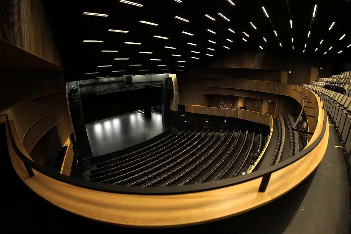Theatre-Gilles-Vigneault-03